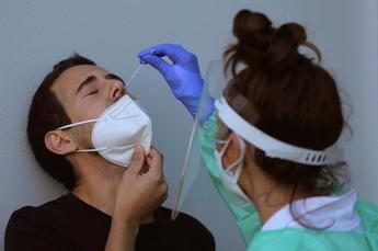 Descienden a 353 los nuevos casos de coronavirus en un día en Castilla-La Mancha