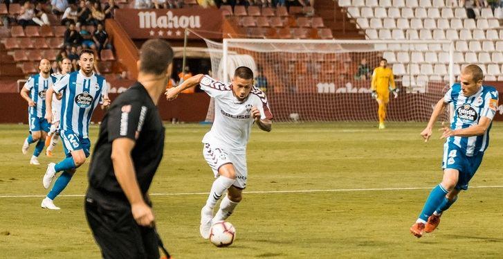 El Albacete Balompié renueva al delantero paraguayo Acuña hasta el 30 de junio de 2021
