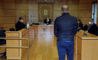 El acusado de arrollar a repartidor de pizzas en Tomelloso y dejarlo parapléjico acepta 3 años y 9 meses de cárcel