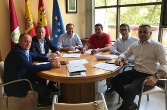 Los directivos del polígono de Romica de Albacete se reúnen con Vicente Casañ y Emilio Sáez