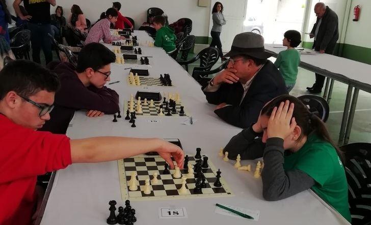 La quinta edición del Campeonato Villa de El Bonillo de ajedrez reúne a un centenar de participantes