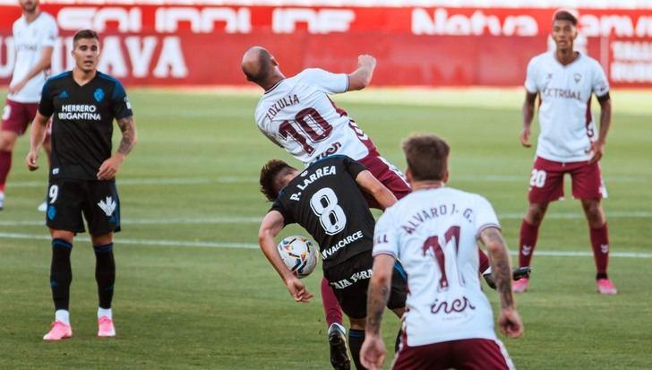 Albacete-Ponferradina: Segunda derrota de los manchegos (0-2)