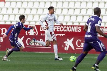 El Albacete, otra vez con un expulsado, dejó escapar los tres puntos ante el Sporting (0-1)