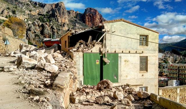 La Diputación de Albacete aprueba ayudas para recuperar la imagen de Alcalá del Júcar, tras el desprendimiento de rocas del 2016