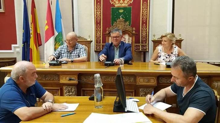 El Ayuntamiento de Hellín reparte cargos y sueldos para la nueva legislatura