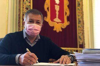 El alcalde de Cuenca califica como 'vergonzoso' que Gamesa anuncie un megaparque eólico en Albacete mientras cierra la planta de la ciudad