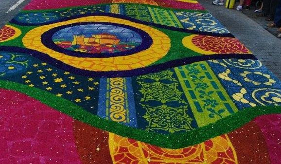 La Asociación de Elche de la Sierra realizará una alfombra de serrín en la catedral de Albacete