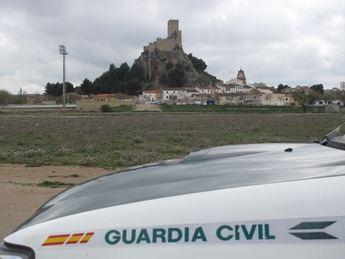Tres jóvenes de 22, 23 y 24 años, vecinos de Almansa, detenidos por robo con violencia e a una vendedora de cupones