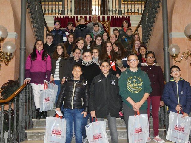Alumnos del IES Andrés Vandelvira visitan la Diputación de Albacete dentro del programa 'Conoce tu ciudad'