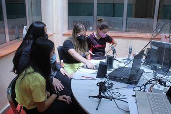 Estudiantes de Elche de la Sierra comparten experiencias con compañeros de diversos lugares de Europa