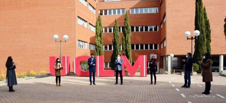 Alumnos de la UCLM, comprometidos a conseguir la igualdad real entre hombres y mujeres: 'Ayudémonos sin rivalidad'