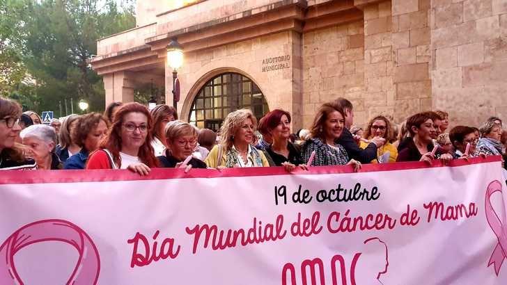 Amplio respaldo en Albacete a AMAC en la marcha del Día Internacional Contra el Cáncer de Mama