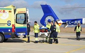 Trasladan al hospital de Manises a una mujer de 62 años que se amputó un dedo manipulando una máquina en Alcaraz (Albacete)