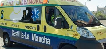 El vuelco de un camión de basura en la AB-701, en La Gineta, dejó un herido y la carretera cortada varias horas