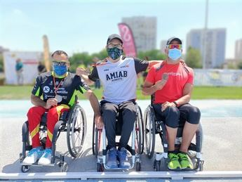 Rafael Botello, del CD Amiab, logra tres títulos de campeón de España en el Nacional de atletismo
