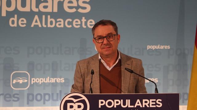 """Antonio Martínez (PP) lamenta que Page """"se dedique a hacer encuestas de traca, en vez de solucionar los problemas de la gente"""""""