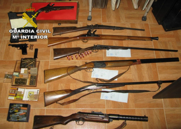 La Guardia Civil desmantela un taller de fabricación ilícita de armas blancas en Ciudad Real