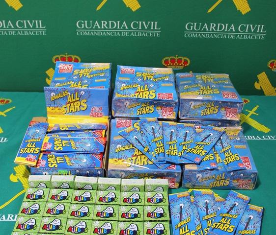 La Guardia Civil de Albacete interviene 11.070 artículos pirotécnicos, la mayoría caducados y descatalogados