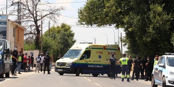 Uno de los positivos por coronavirus del asentamiento de Albacete fue ingresado en el hospital
