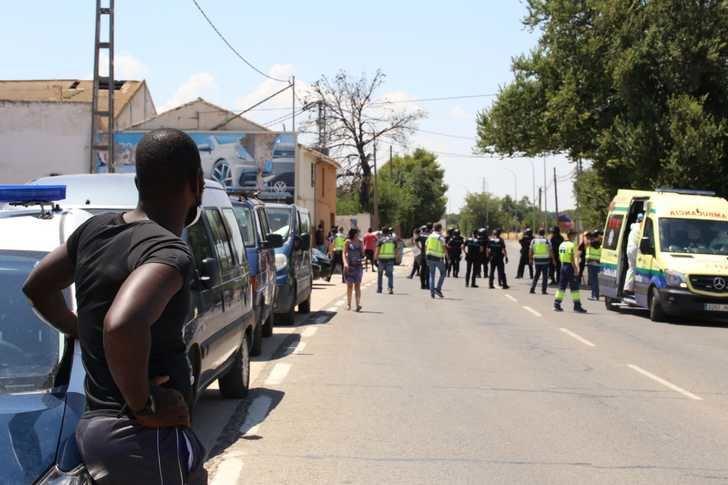 Dos nuevos positivos de coronavirus de los inmigrantes que estaban en el asentamiento de la carretera de las Peñas, en Albacete
