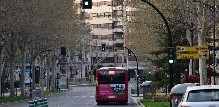 Albacete rebaja el límite de velocidad en sus calles y regula la utilización de patinetes