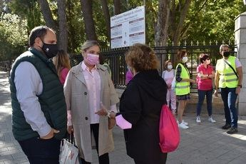 El Ayuntamiento participa en las actividades organizadas por la AECC en Albacete con motivo del Día Mundial Contra el Cáncer de Mama