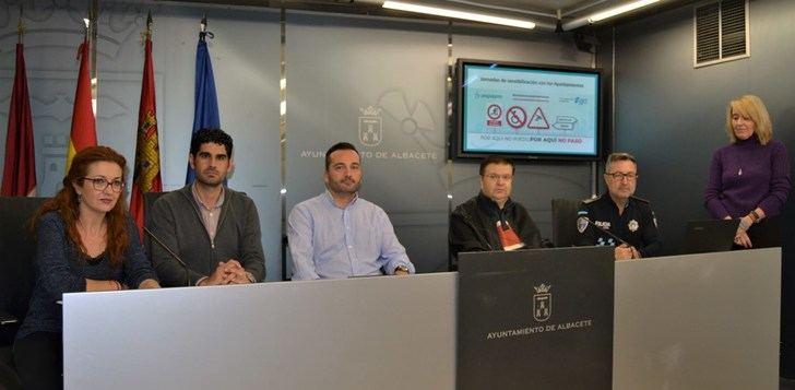 El Ayuntamiento de Albacete se suma a la Campaña 'Por aquí no puedo, por aquí no paso'