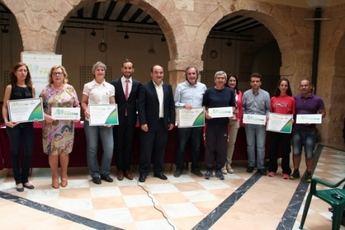 Entregados los diplomas y placas a los centros participantes en el Programa '+activa'