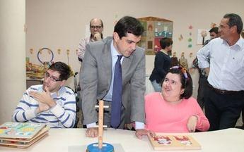 La  Asociación de Padres de Paralíticos Cerebrales de Albacete (APACEAL) ha recibido casi 80.000 euros de la Junta