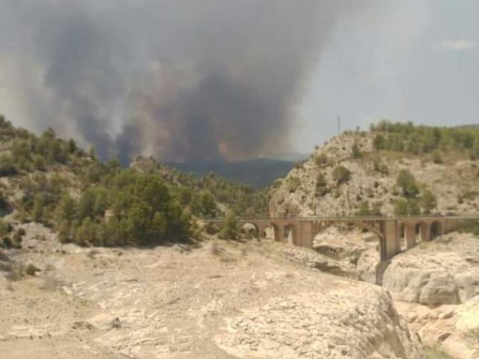 El incendio de Yeste se encuentra perimetrado en 32 kilómetros tras seis días de trabajo intenso