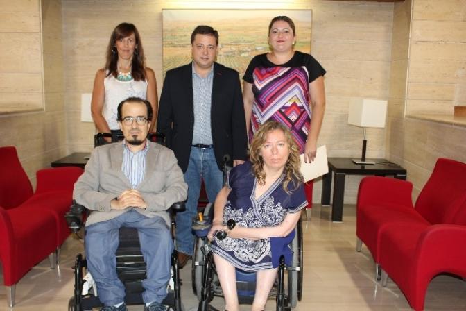 El Ayuntamiento de Albacete contratará a trabajadores sociales para atender a las personas con discapacidad
