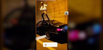 Investigado un conductor en Hellín (Albacete) por grabarse bailando en el techo de su coche en marcha