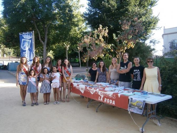 El PMD de La Roda presentó su campaña de verano bajo el lema 'La droga mata, la vida engancha'