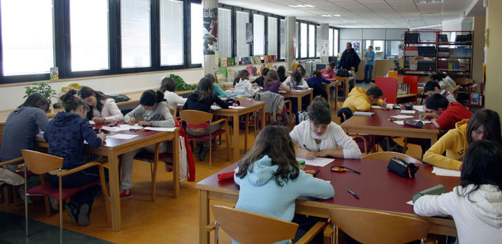 La Roda se prepara para su concurso infantil de dibujo y redacción, relatos cortos juveniles y letras en femenino