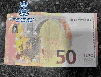 Dos hombres se enfrentan en Albacete a 10 años de cárcel por comprar con billetes falsos