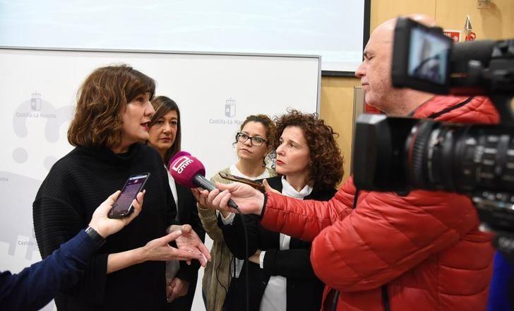 La Junta de Castilla-La Mancha destina 20.000 euros a becas universitarias para víctimas violencia género