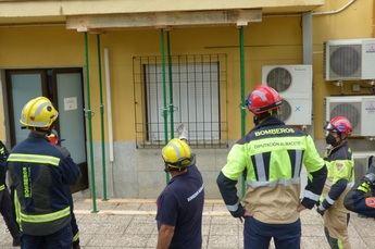 Bomberos de Castilla-La Mancha aprenden técnicas de apuntalamiento de emergencia para actuar en casos de derrumbe