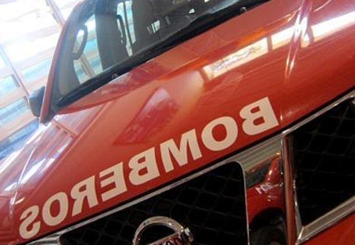Diecisiete personas desalojadas y ocho afectadas por humo en el incendio en un edificio de Guadalajara