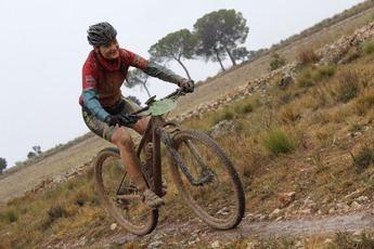 La lluvia y el mal tiempo pusieron a prueba a los ciclistas que participaron en Madrigureas en el Circuito de BTT