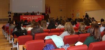Los médicos de Albacete estudian la atención a los pacientes crónicos