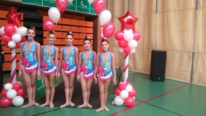 Las jóvenes gimnastas de La Roda en el campeonato regional realizan una buena actuación
