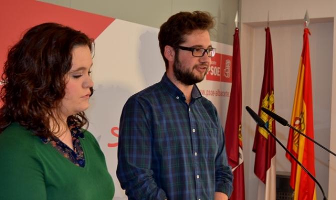 Juventudes Socialistas de Albacete acusa al PP de querer estudiantes de primera y de segunda, según su dinero