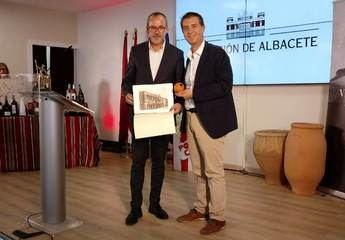 Villarrobledo, sus tradiciones y sus fiestas, en el stand de la Diputación de Albacete en la Feria