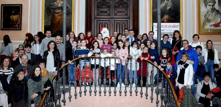 La infancia de la radio toma la palabra en el Pleno de la Diputación de Albacete