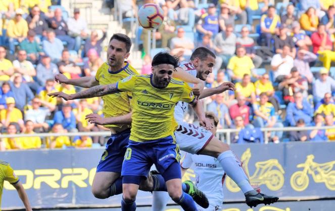 El Cádiz supera al Albacete Balompié merced a un polémico penalti (1-0)