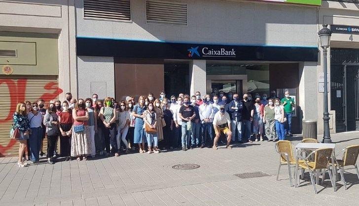 Seguimiento 'masivo' de la huelga y movilización en C-LM contra el ERE de Caixabank, según CCOO y UGT