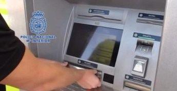 Detenido en Toledo por sacar dinero del cajero con la tarjeta de su pareja, sin que lo supiera
