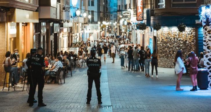 420 denuncias en la 'no Feria' de Albacete, 74 de ellas por botellón y 251 por no llevar mascarilla