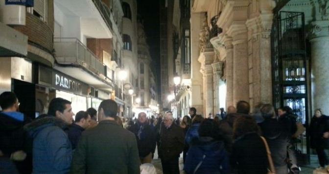 Imagen de archivo de las calles del centro de Albacete con el comercio abierto.
