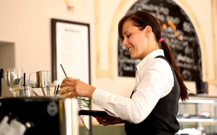 El sector servicios y la industria de Castilla-La Mancha, evolucionan por encima de la media nacional